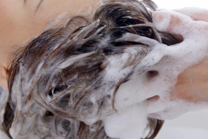オリーブオイルで頭皮ケア・白髪対策