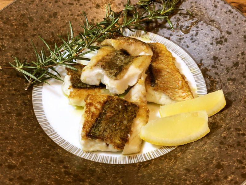 鯛のオリーブオイル焼き~レモンを添えて~