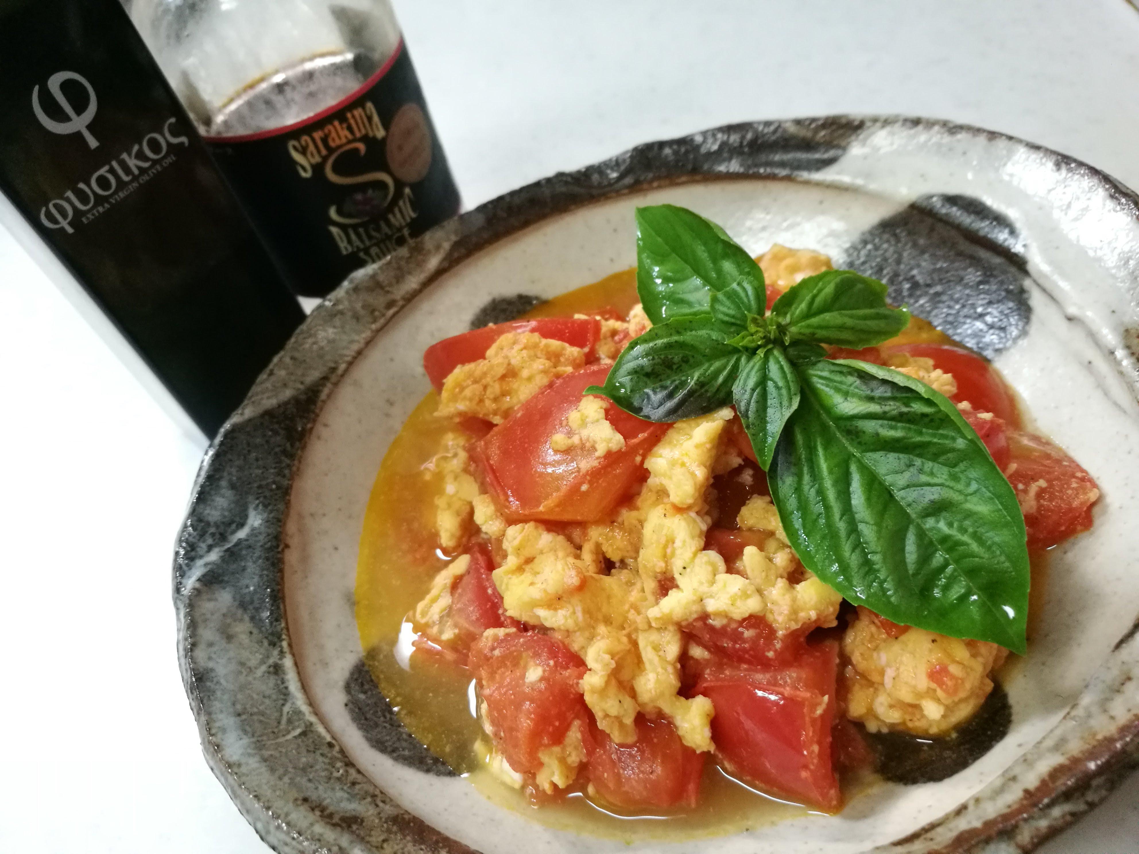 トマトと卵のバルサミコソース炒め