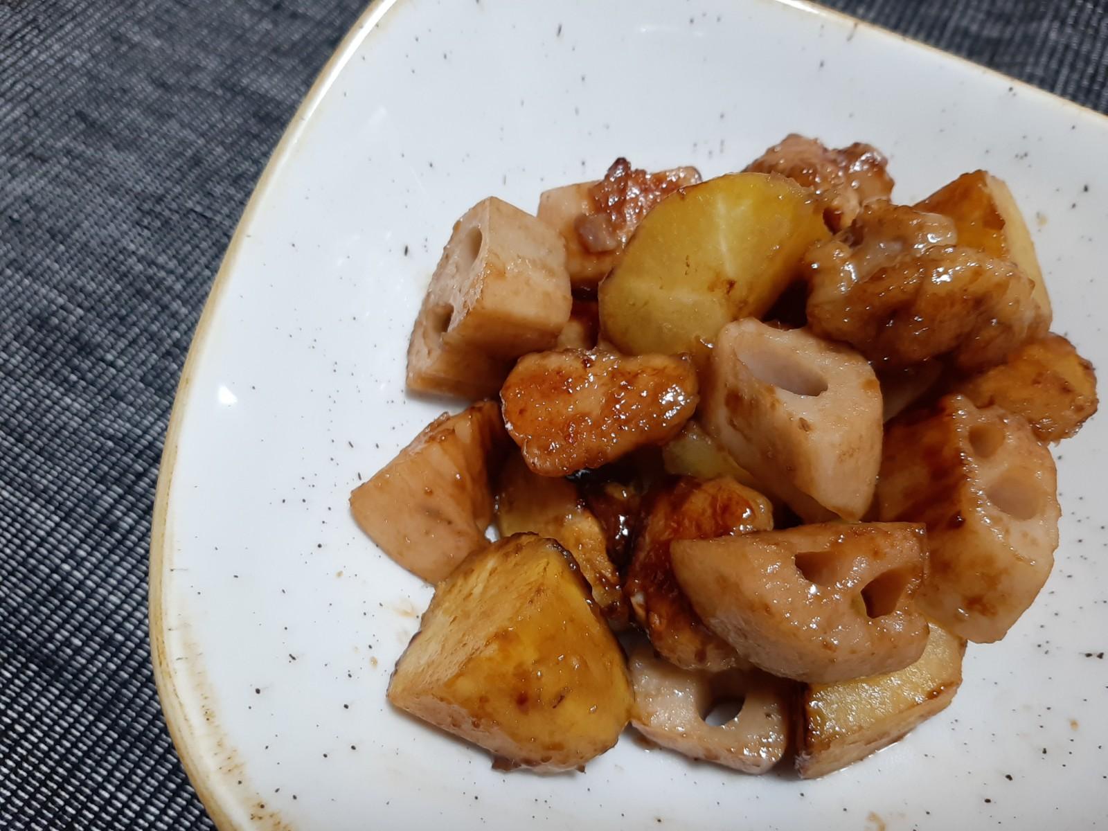 レンコンとさつま芋の甘酢ソテー